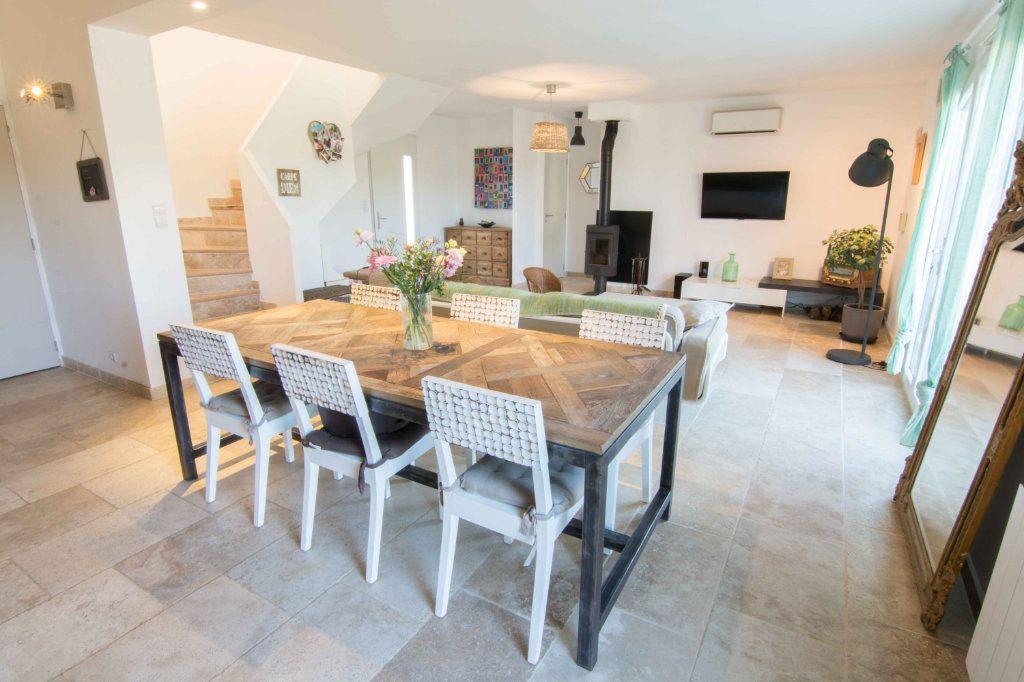 Maison à vendre 5 132m2 à Saint-Hilaire-d'Ozilhan vignette-10