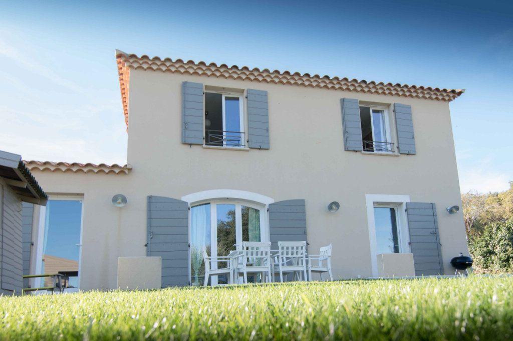 Maison à vendre 5 132m2 à Saint-Hilaire-d'Ozilhan vignette-11