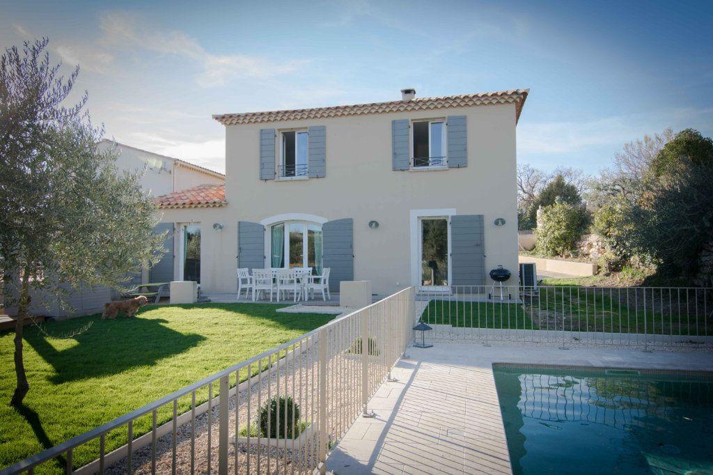 Maison à vendre 5 132m2 à Saint-Hilaire-d'Ozilhan vignette-15