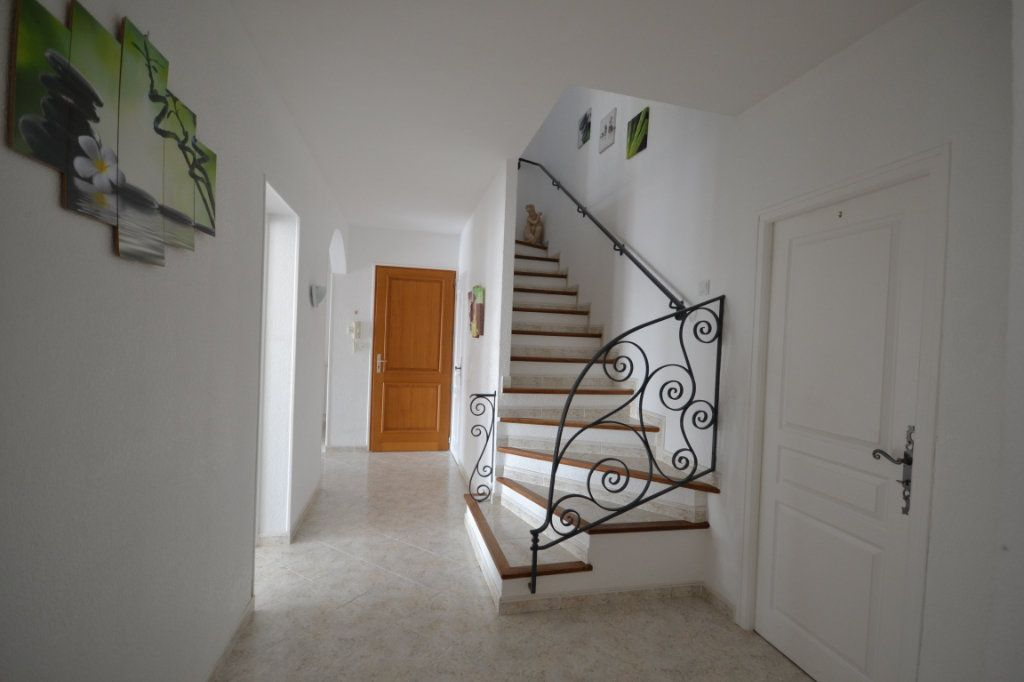 Maison à vendre 8 210m2 à Lédenon vignette-4