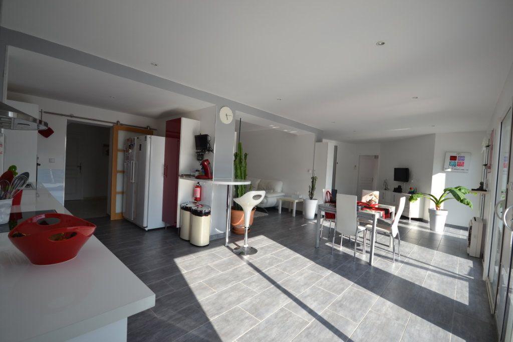 Maison à vendre 8 210m2 à Lédenon vignette-5