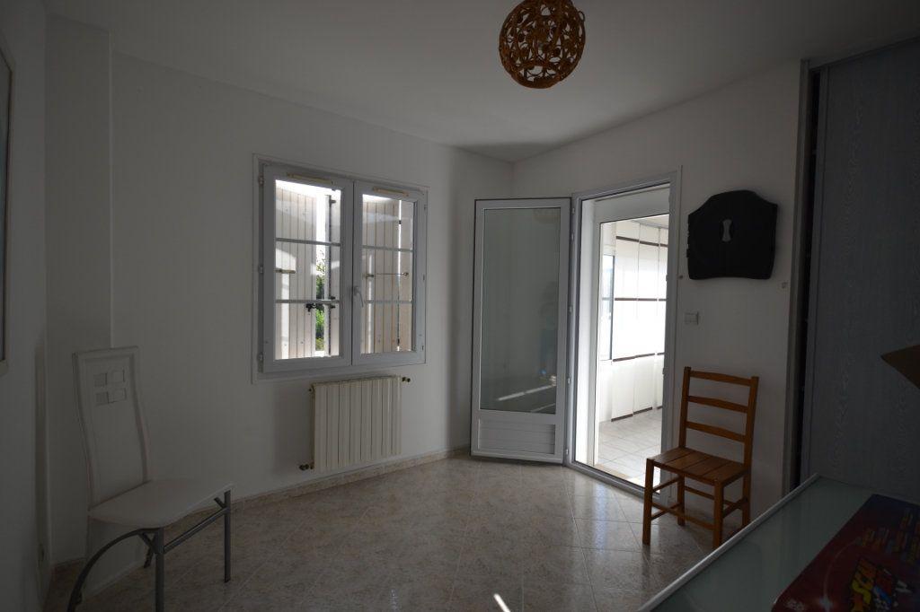 Maison à vendre 8 210m2 à Lédenon vignette-17
