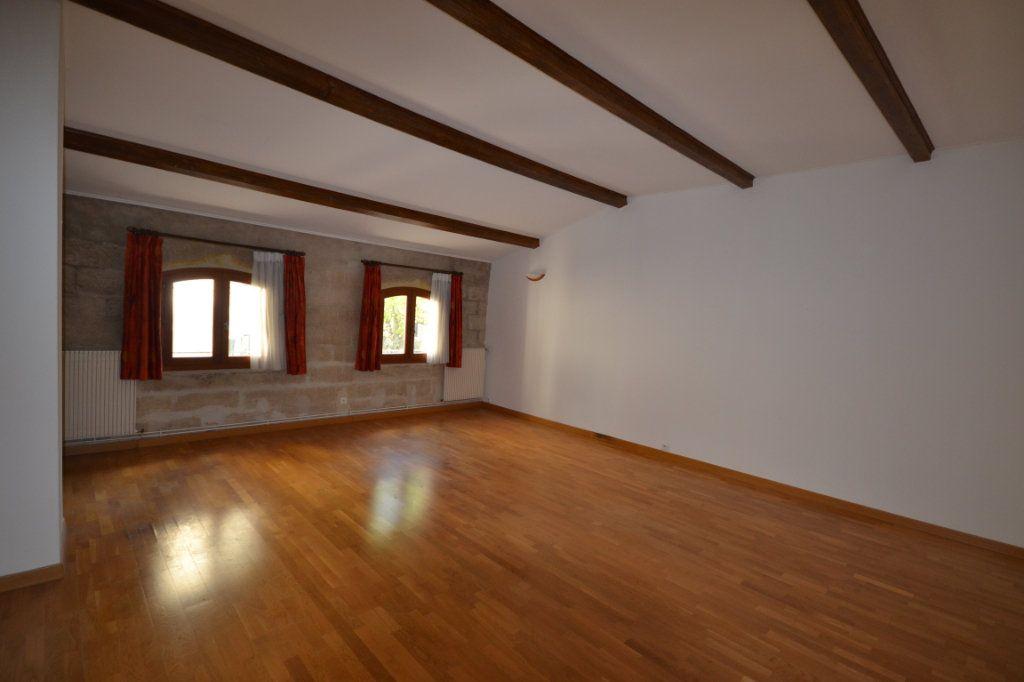 Appartement à vendre 4 92m2 à Uzès vignette-2