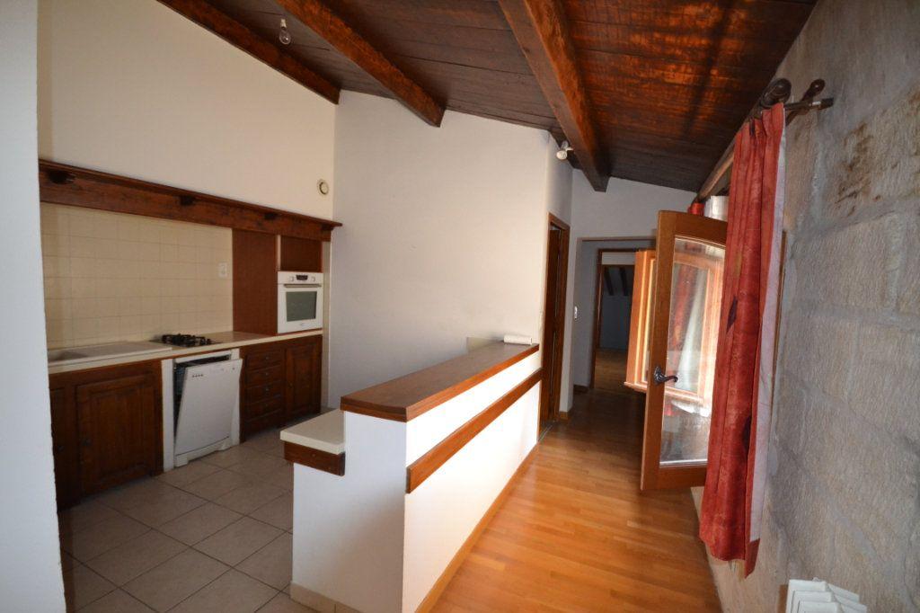 Appartement à vendre 4 92m2 à Uzès vignette-4