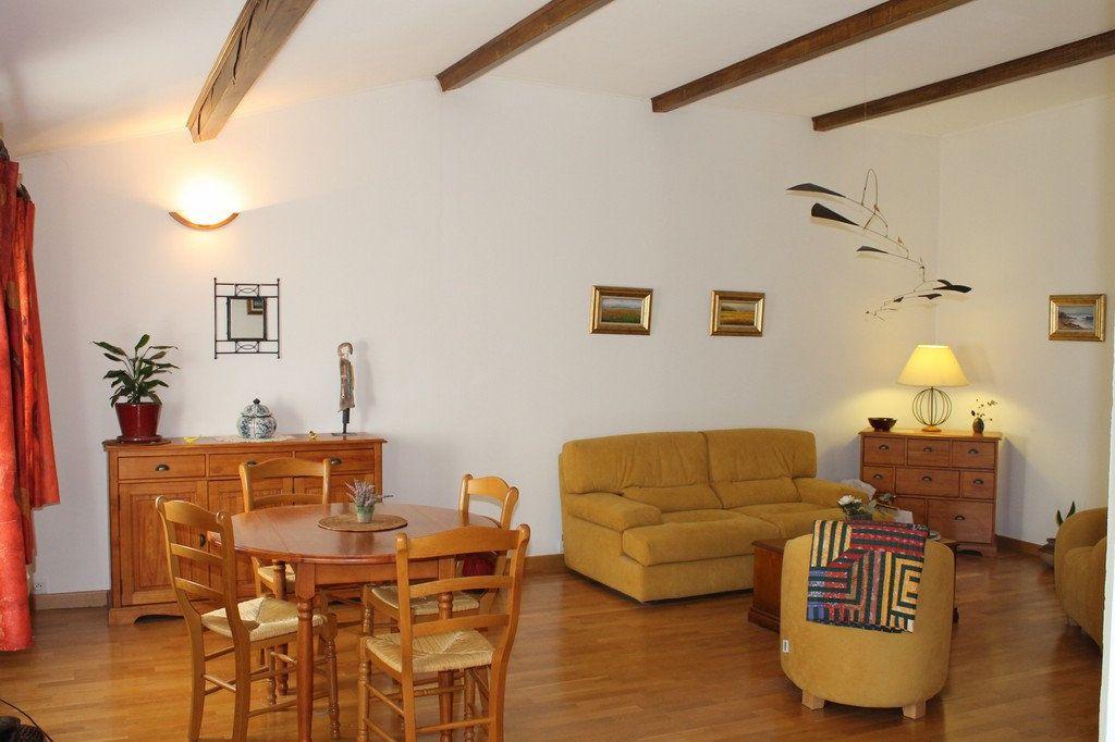 Appartement à vendre 4 92m2 à Uzès vignette-8
