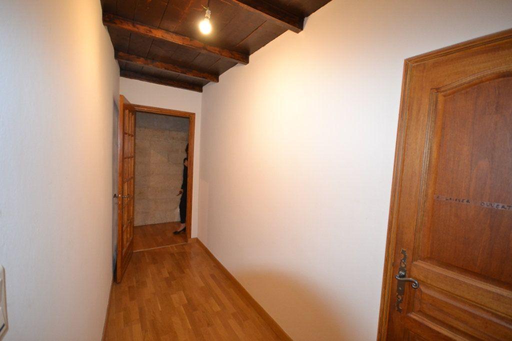 Appartement à vendre 4 92m2 à Uzès vignette-10