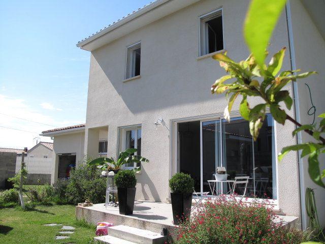 Maison à vendre 5 105m2 à Saint-Laurent-des-Arbres vignette-1