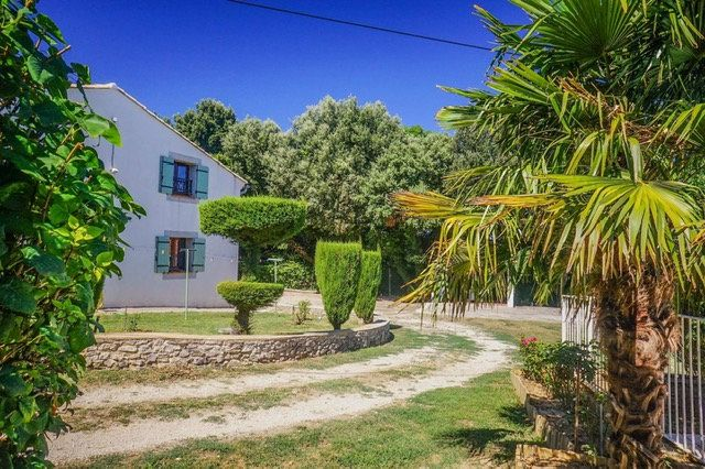 Maison à vendre 7 170m2 à Collias vignette-2