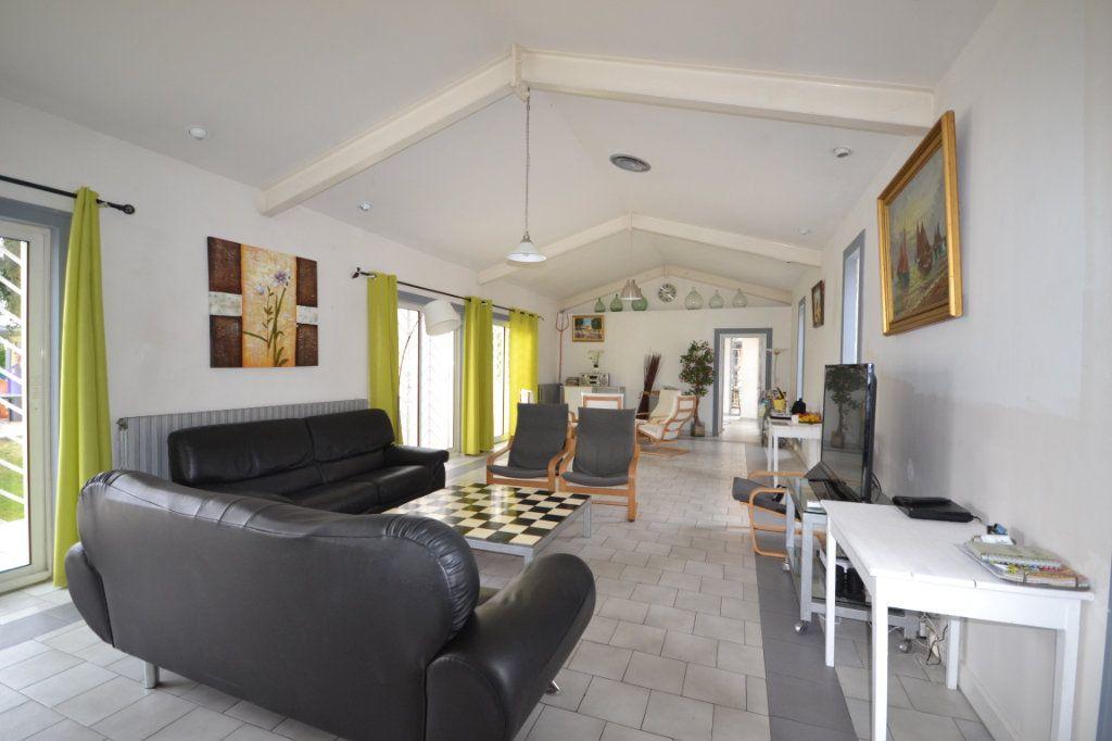 Maison à vendre 9 250m2 à Meynes vignette-4