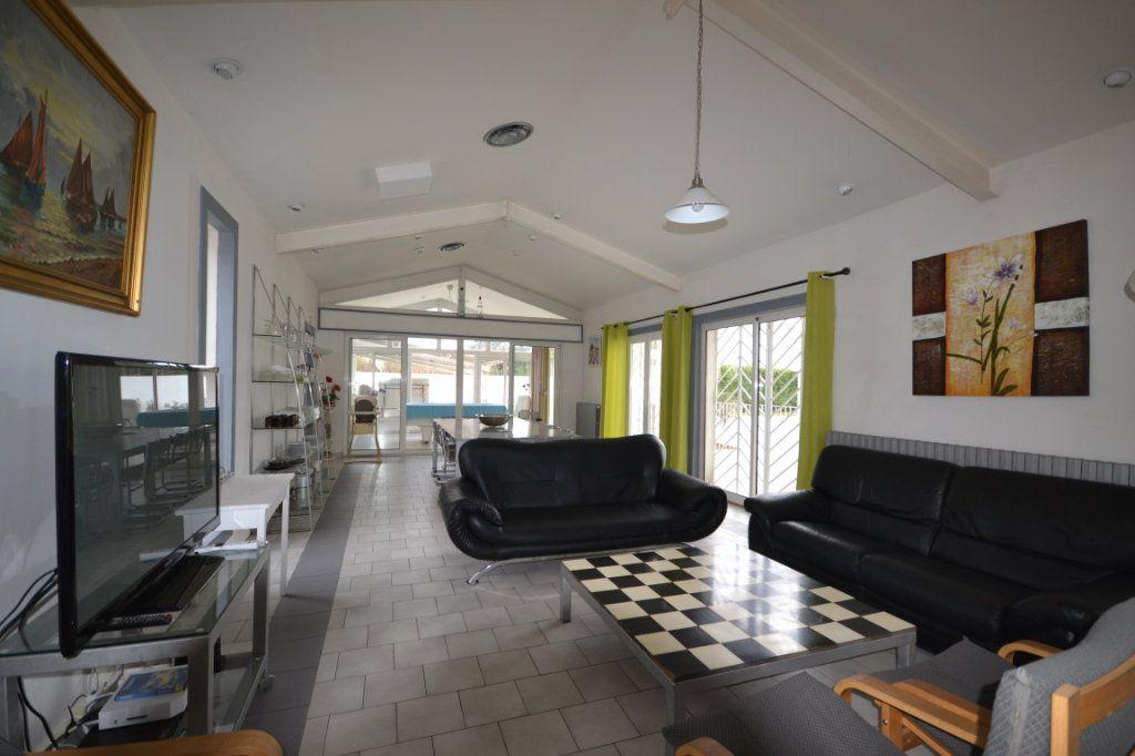 Maison à vendre 9 250m2 à Meynes vignette-5