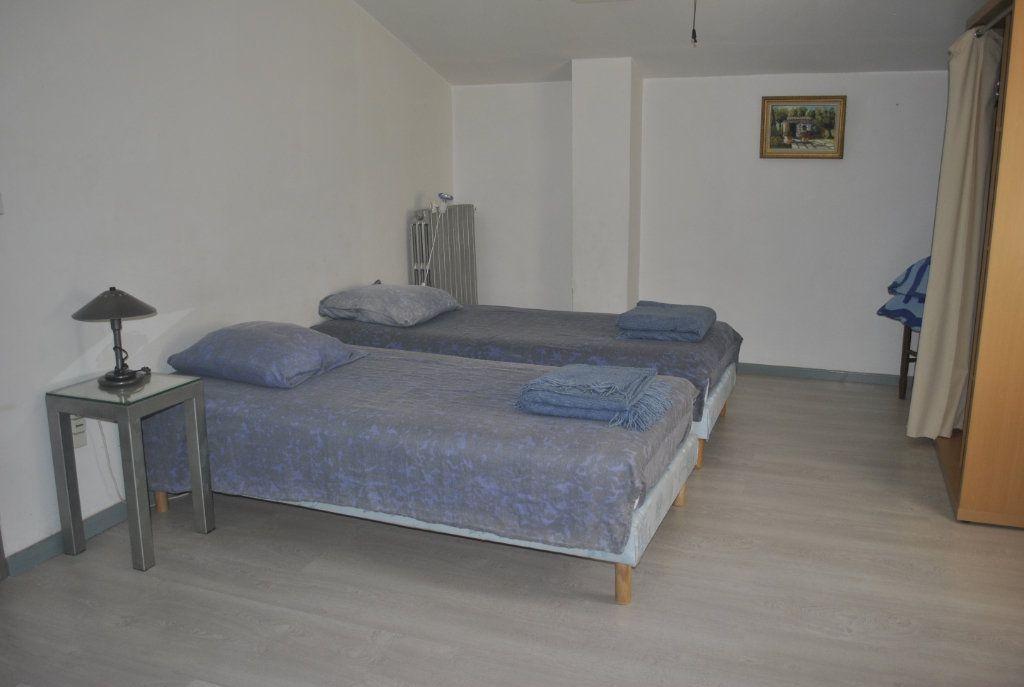 Maison à vendre 9 250m2 à Meynes vignette-12