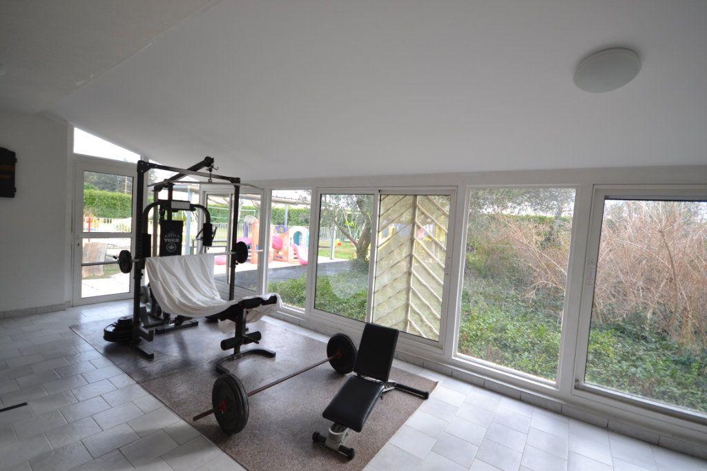 Maison à vendre 9 250m2 à Meynes vignette-14