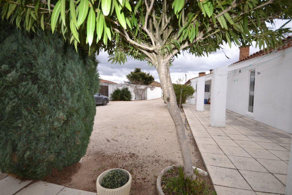 Maison à vendre 9 250m2 à Meynes vignette-16