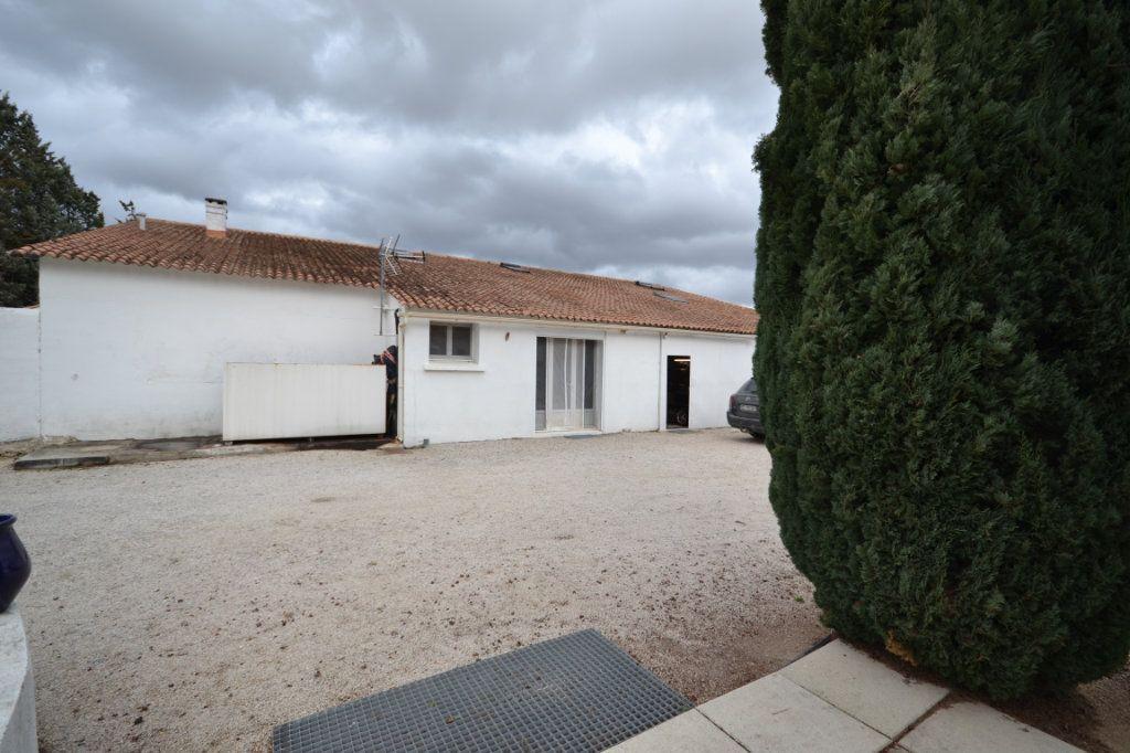 Maison à vendre 9 250m2 à Meynes vignette-18