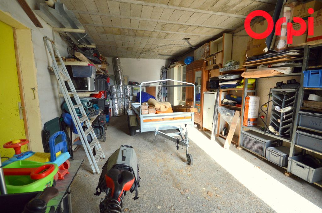 Maison à vendre 6 135m2 à Saint-Quentin-la-Poterie vignette-10