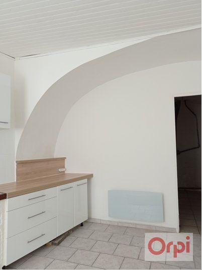 Maison à vendre 3 100m2 à Pont-Saint-Esprit vignette-15