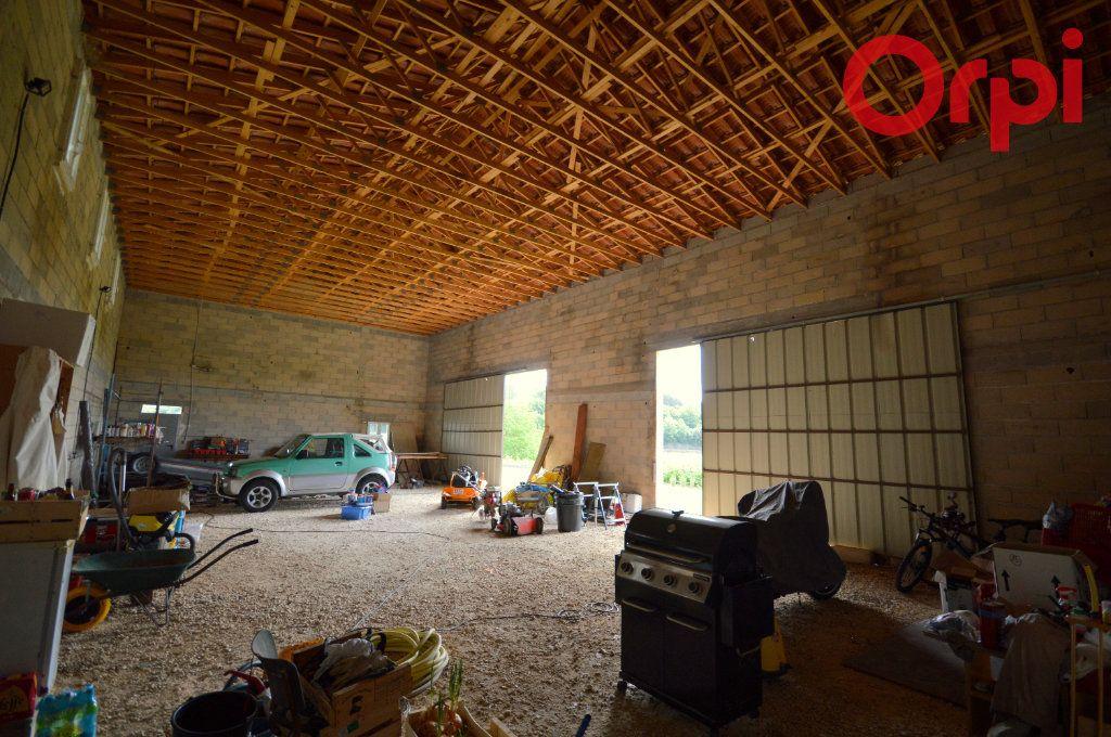Maison à vendre 4 127m2 à Sabran vignette-5