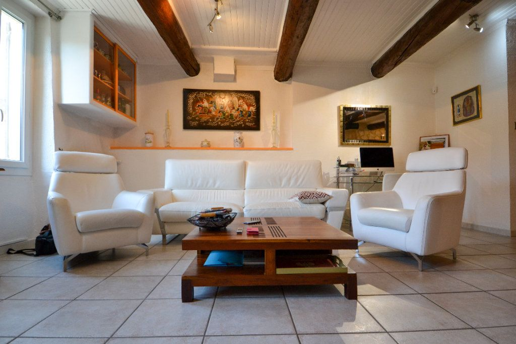 Maison à vendre 5 147m2 à Roquemaure vignette-1