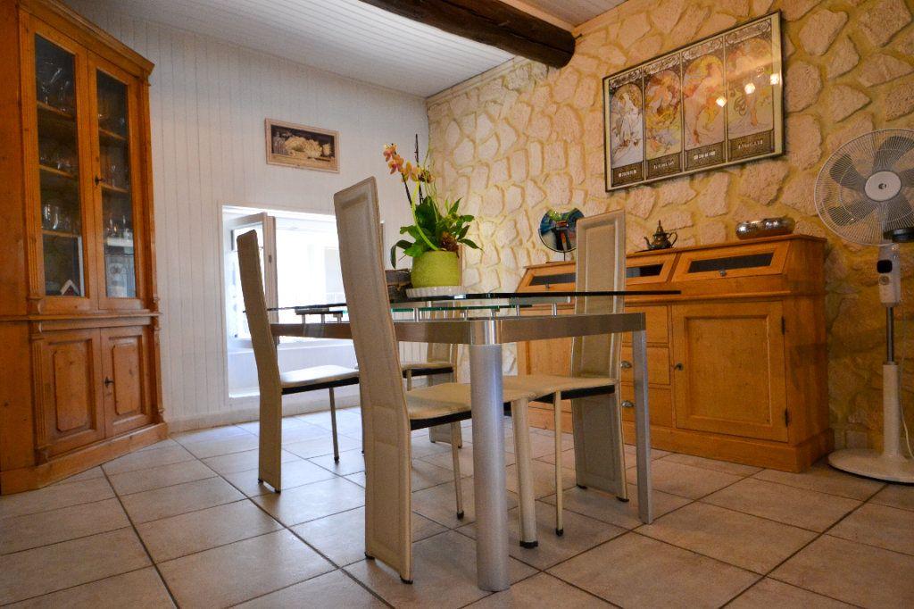 Maison à vendre 5 147m2 à Roquemaure vignette-2