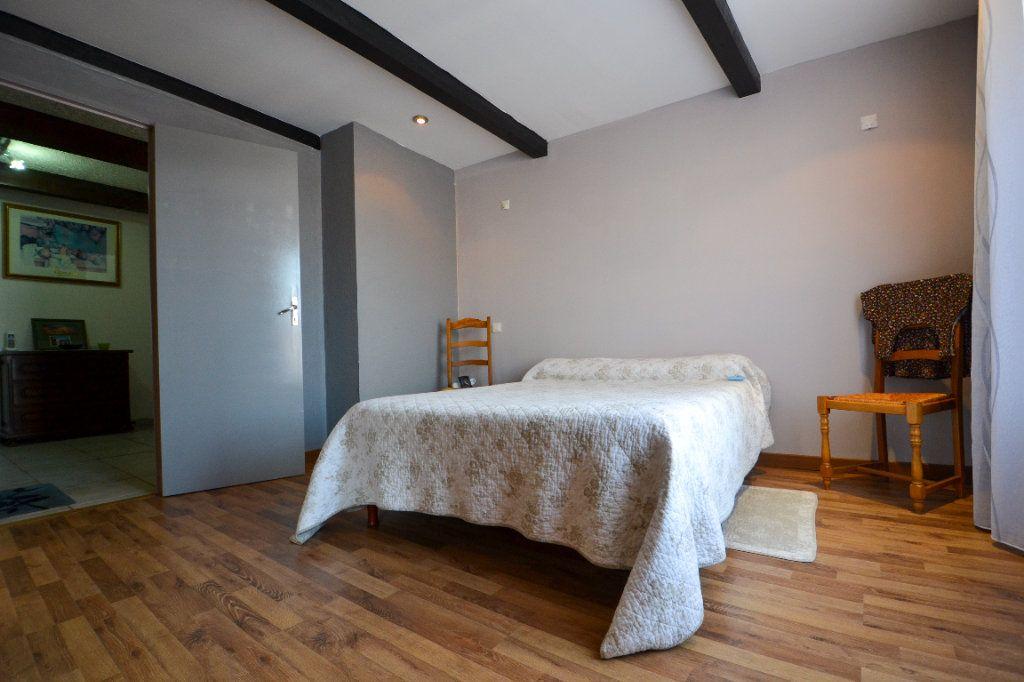 Maison à vendre 5 147m2 à Roquemaure vignette-6