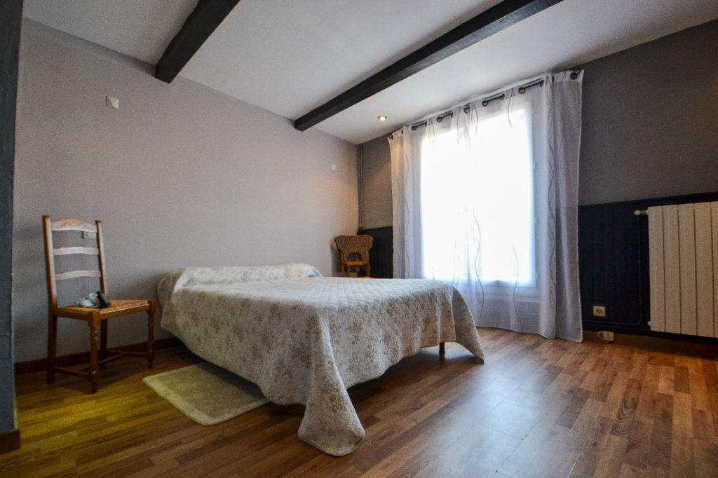 Maison à vendre 5 147m2 à Roquemaure vignette-7