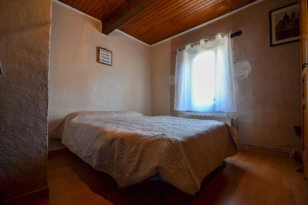 Maison à vendre 5 147m2 à Roquemaure vignette-9
