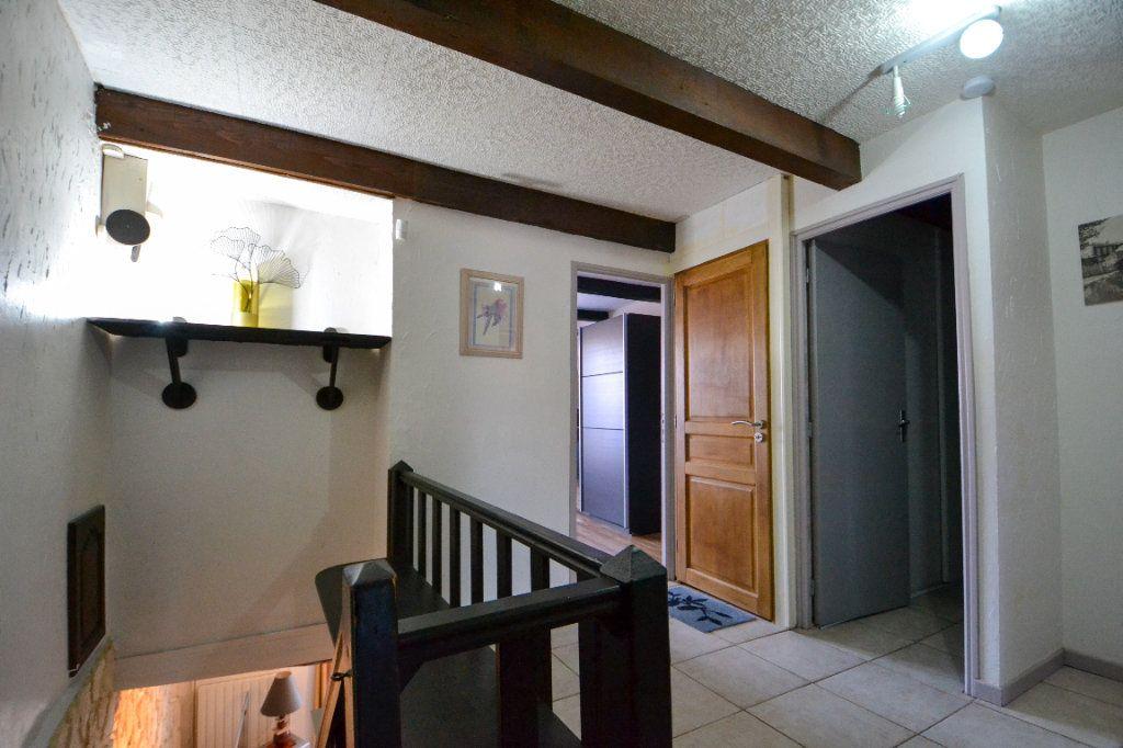 Maison à vendre 5 147m2 à Roquemaure vignette-10