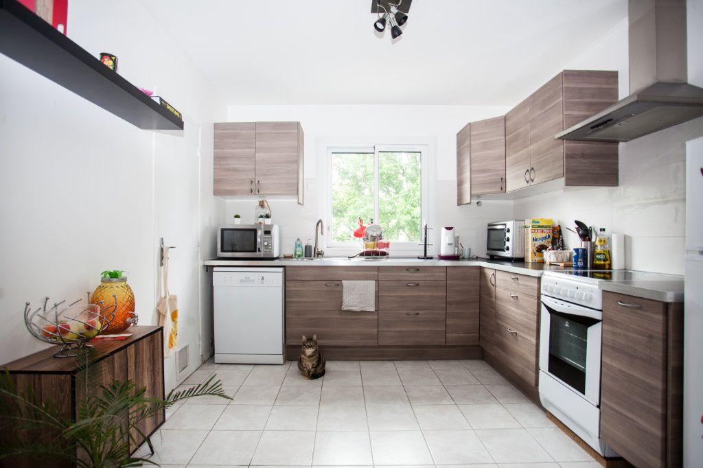 Appartement à vendre 3 64m2 à Brest vignette-2