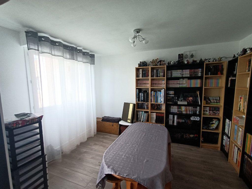 Appartement à vendre 4 89.69m2 à Brest vignette-7