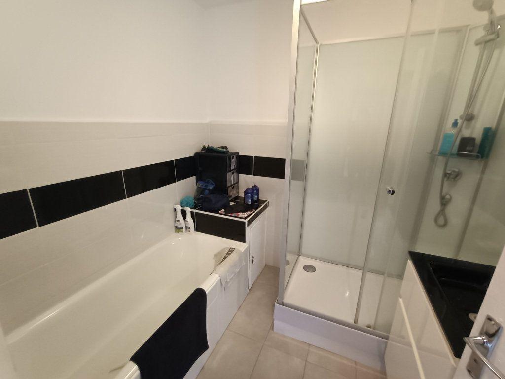 Appartement à vendre 4 89.69m2 à Brest vignette-12