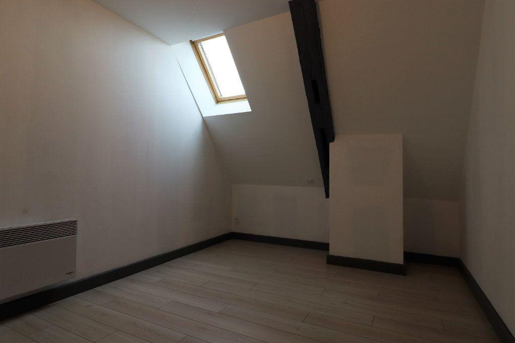 Appartement à louer 5 149.96m2 à Auxonne vignette-9