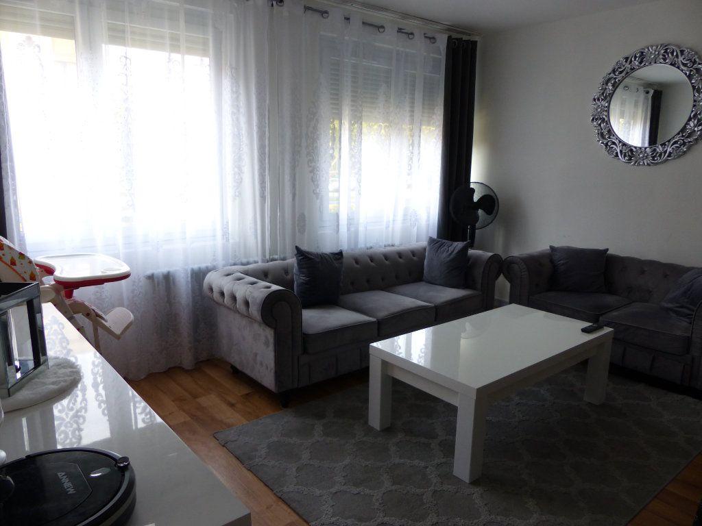 Appartement à louer 2 50.55m2 à Chenôve vignette-1