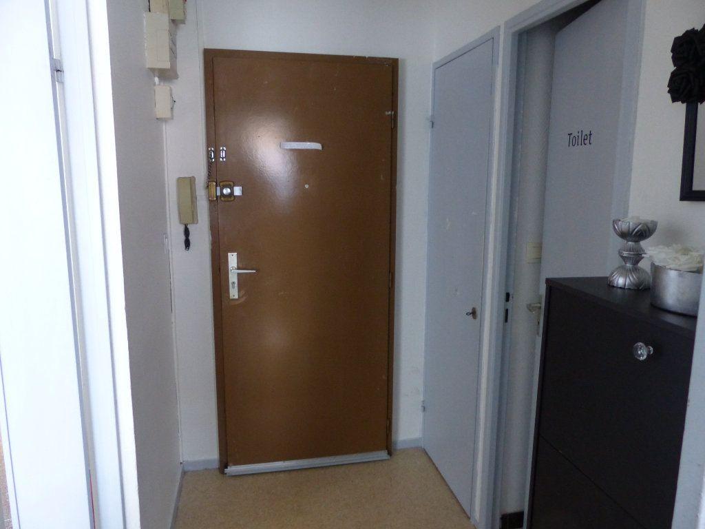 Appartement à louer 2 50.55m2 à Chenôve vignette-3