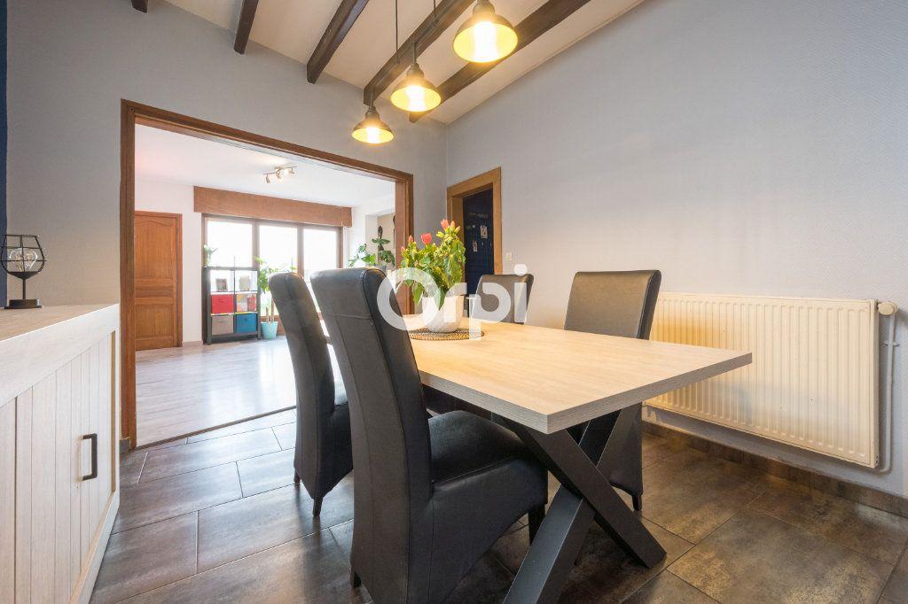 Maison à vendre 6 127m2 à Petite-Forêt vignette-4