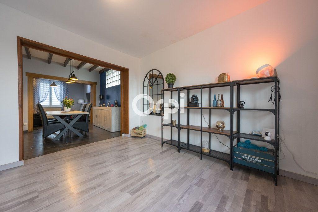 Maison à vendre 6 127m2 à Petite-Forêt vignette-8