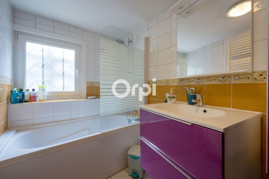 Maison à vendre 6 127m2 à Petite-Forêt vignette-14