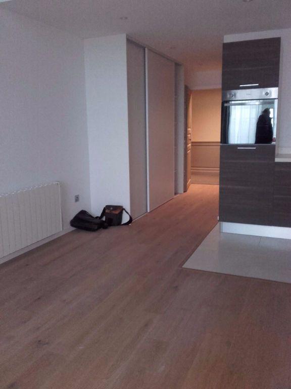 Appartement à louer 2 40.31m2 à Valenciennes vignette-3