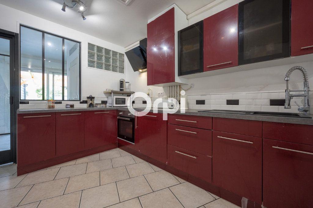 Maison à vendre 4 70m2 à Saint-Amand-les-Eaux vignette-1