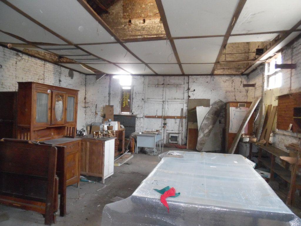 Maison à vendre 12 200m2 à Beuvrages vignette-3