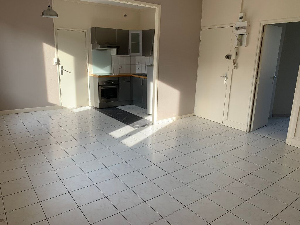 Appartement à louer 2 44.43m2 à Valenciennes vignette-6