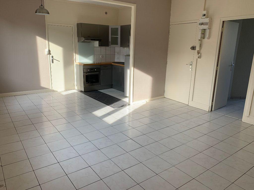 Appartement à louer 2 44.43m2 à Valenciennes vignette-7