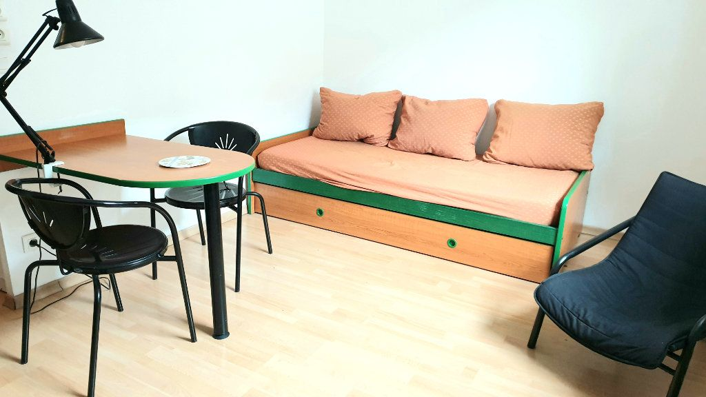 Appartement à louer 1 22m2 à Valenciennes vignette-1