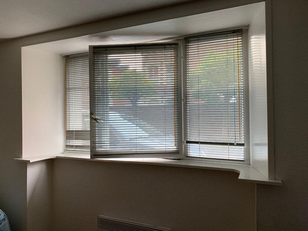Appartement à louer 1 22m2 à Valenciennes vignette-5