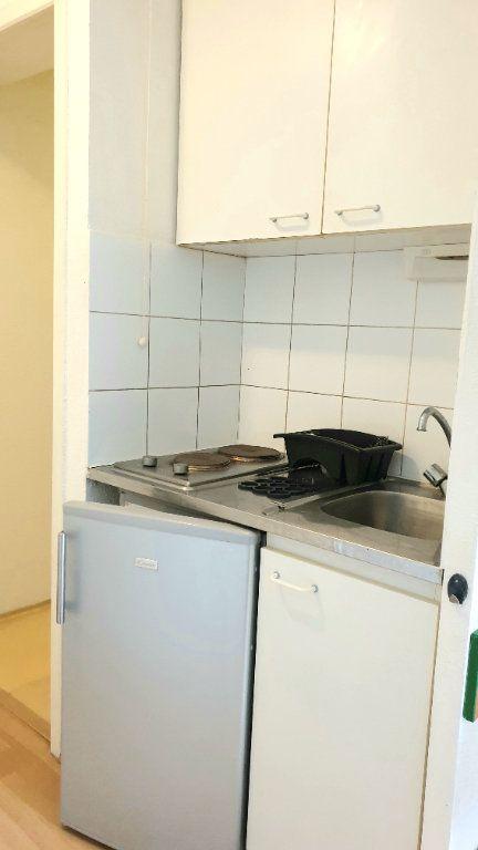 Appartement à louer 1 22m2 à Valenciennes vignette-7
