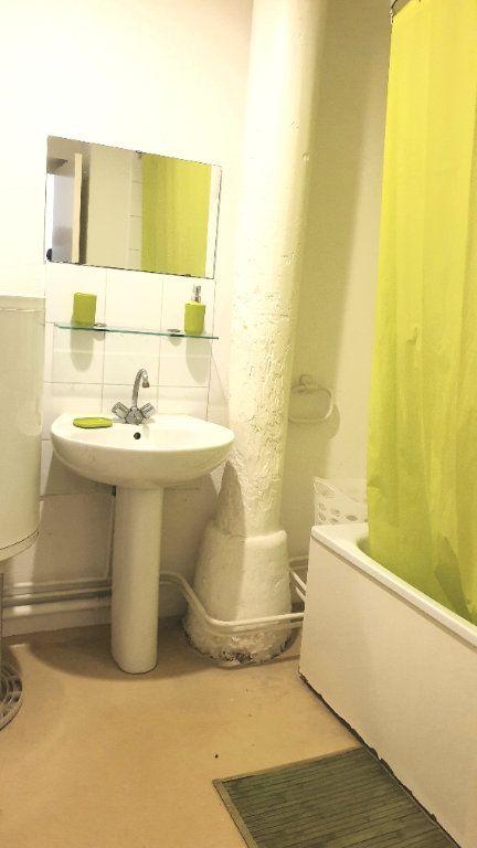Appartement à louer 1 22m2 à Valenciennes vignette-8