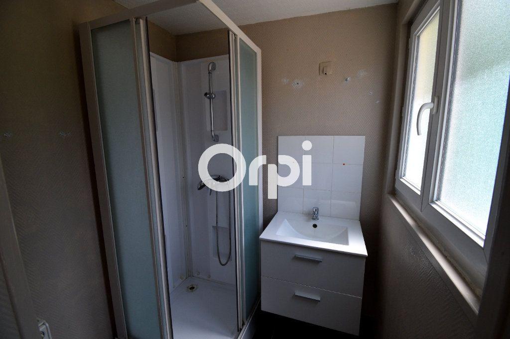 Appartement à louer 2 35m2 à Saint-Amand-les-Eaux vignette-4