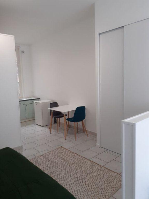 Appartement à louer 1 25m2 à Valenciennes vignette-8