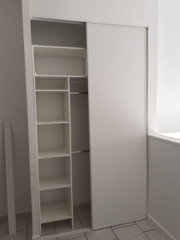 Appartement à louer 1 25m2 à Valenciennes vignette-13