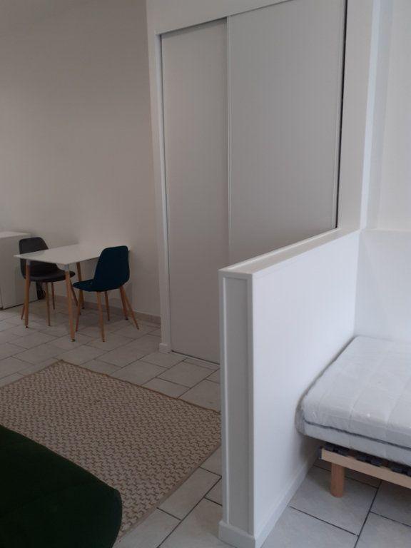 Appartement à louer 1 25m2 à Valenciennes vignette-15
