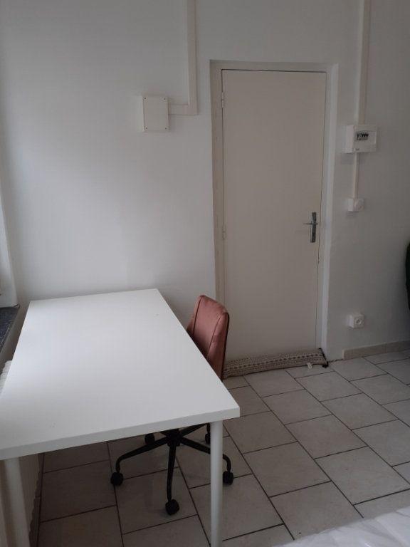 Appartement à louer 1 25m2 à Valenciennes vignette-16